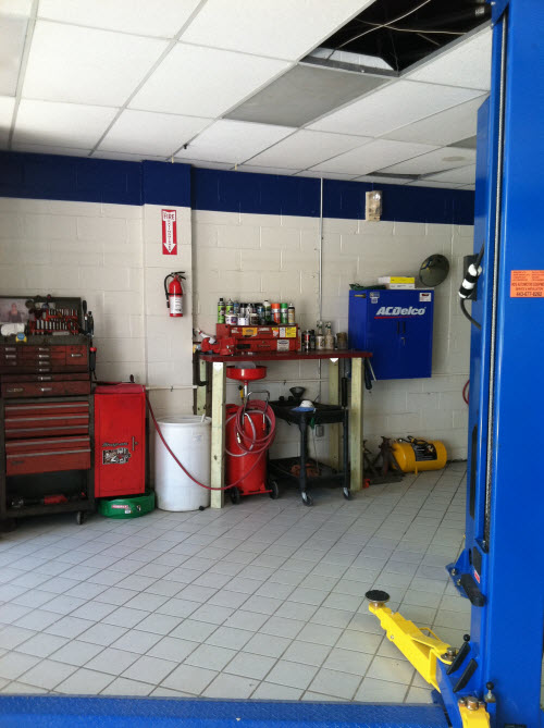Forest Hill Car Care - Service Bay